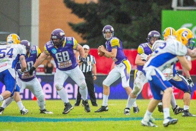 Vikings vs Giants 14.06.15 © Holly Kellner