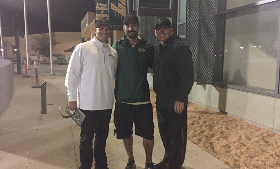 Coach Kössler mit Dan und Cody Hawkins